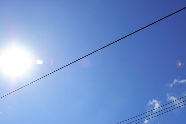 太陽雖大,但是越不過那條線。