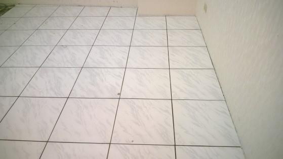 磁磚地板除膠後-2