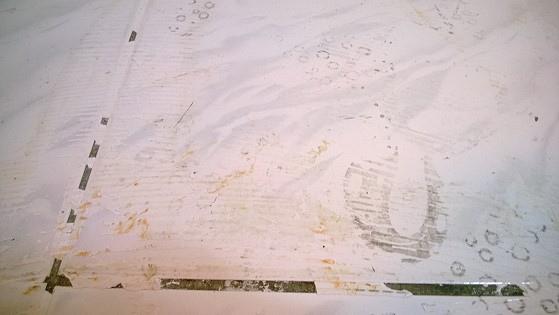 磁磚地板除膠前-3