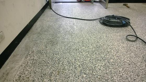 磨石子地板拋光前.jpg