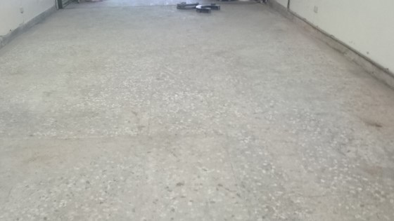 磨石子地板研磨前