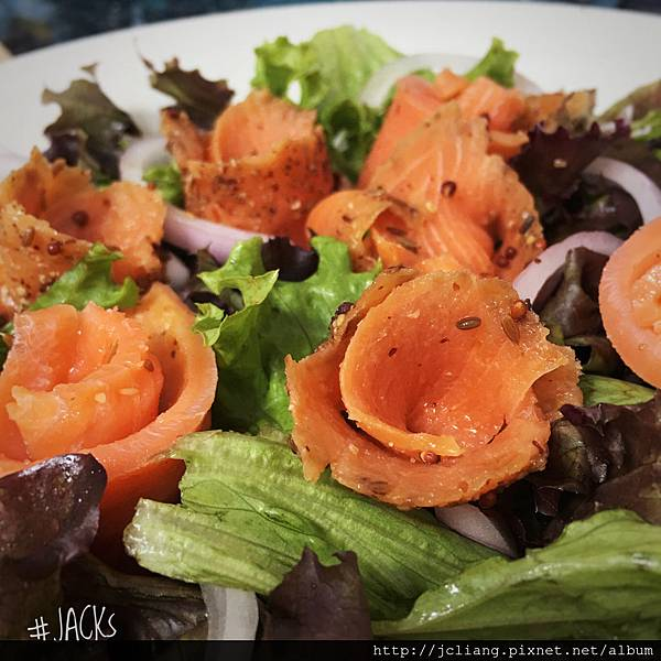 煙燻鮭魚生菜沙拉