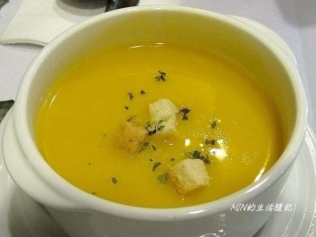 SOHO義式餐廳 (12).JPG