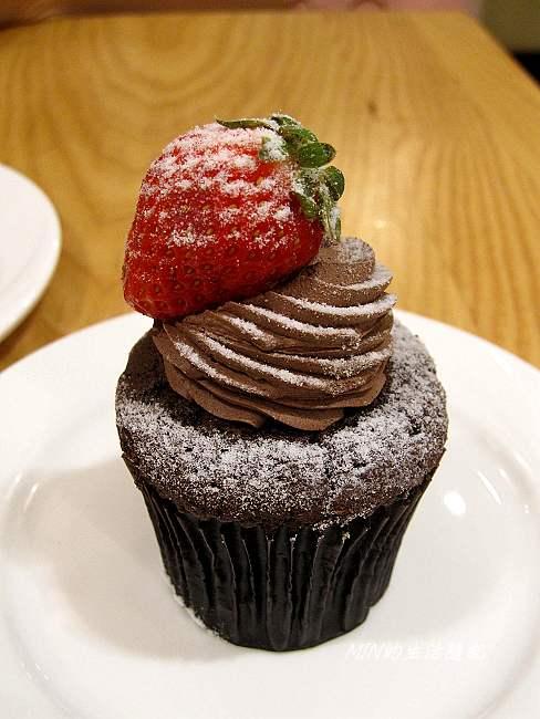 克勞蒂杯子蛋糕 (7)