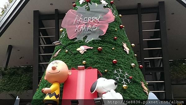 2015信義區聖誕樹 (31).jpg