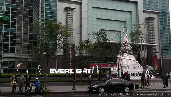 2015信義區聖誕樹 (50).jpg