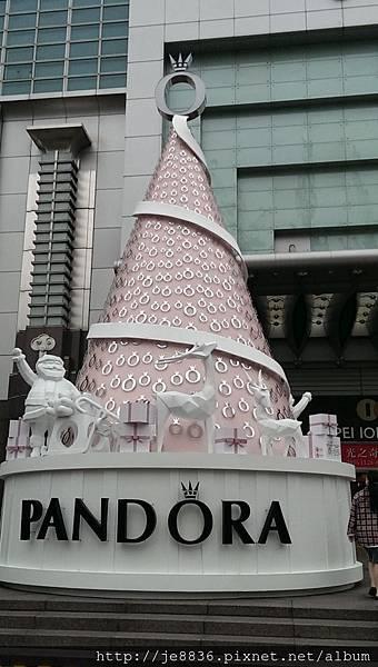 2015信義區聖誕樹 (51).jpg