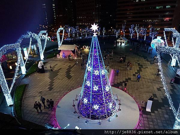 2015信義區聖誕樹 (60).jpg