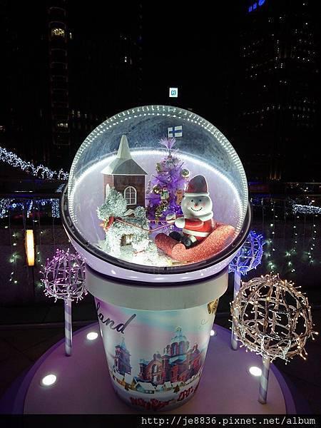2015信義區聖誕樹 (64).jpg