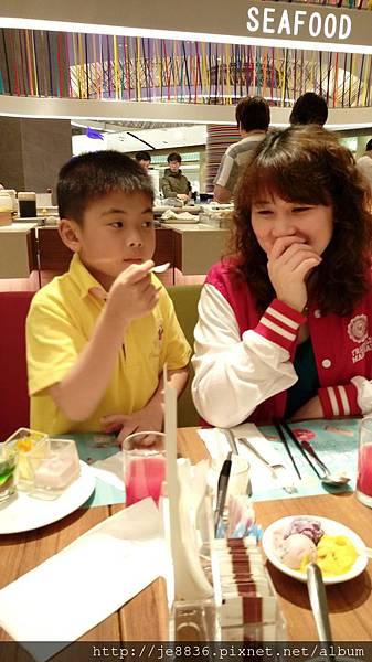 0425台茂漢來海港餐廳 (33).jpg