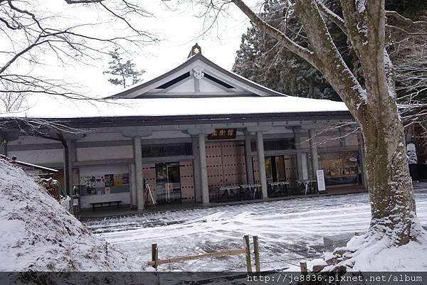 0123金色堂中尊寺89.jpg
