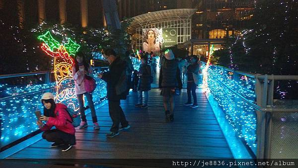 1211新北耶誕城 (20).jpg