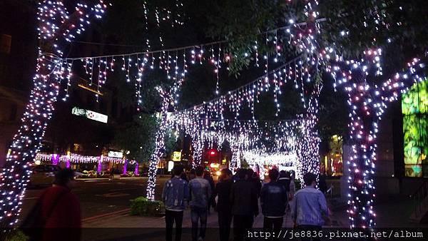 1211新北耶誕城 (32).jpg