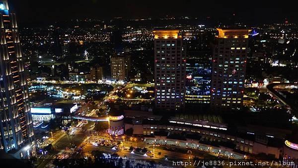 1211新北耶誕城 (45).jpg