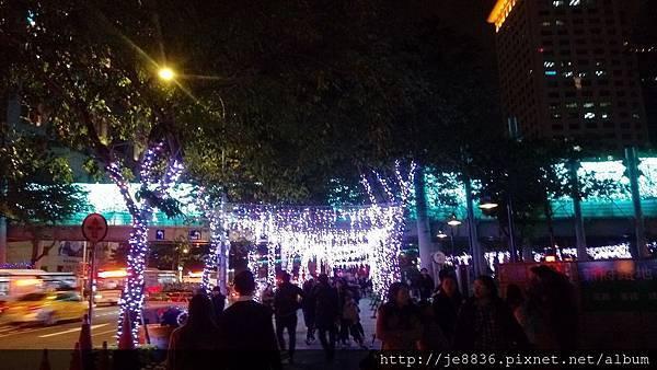 1211新北耶誕城 (50).jpg