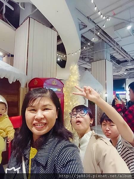 1117大江聖誕樹1.jpg