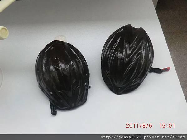 巧克力做的越野安全帽