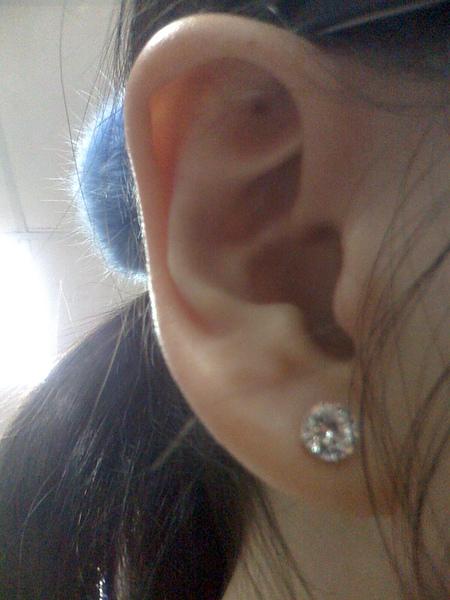 第一個耳洞