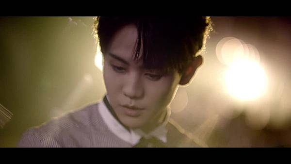 BEAST(비스트) - %5C리본(Ribbon)%5C Official Music Video - YouTube (1080p) 174.jpg