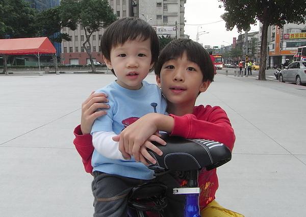 <台北承德路中華電信2010/11/21>