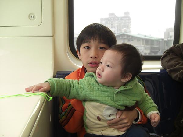 <台北捷運車廂2010/2/21>