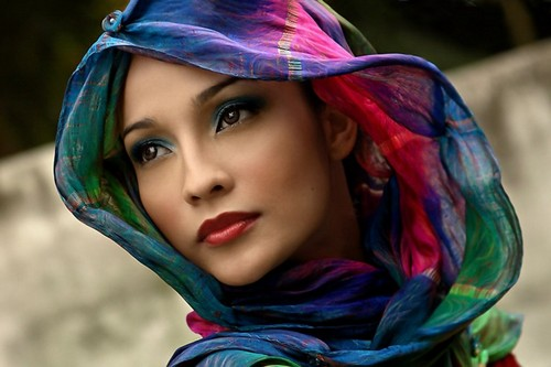 colorful,scarf,woman,beauty,color,colours-98abba5b7563aae213931776ce736fa5_h.jpg