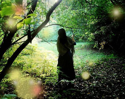 forest,light,woman,beauty,blue,brunette-9b48a12200a2745ce046aee64d69c7cb_h.jpg