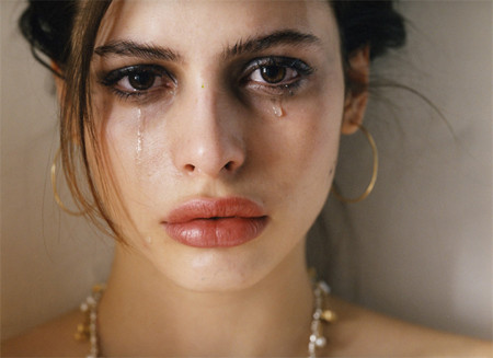 beautiful,mess,crying,female,girl-061422592a117f25e17b96d0dc0ea676_h.jpg
