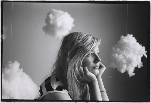 black,and,white,clouds,girl-63c970f8f3aeabd34e5e0cb957a8f408_h.jpg