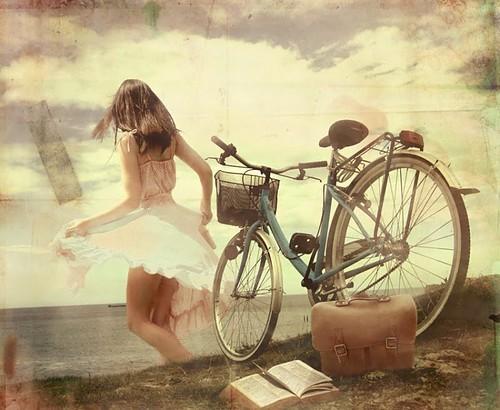 bike,girl,vintage,آزادی,جینگیلی,روشن-51885900a4e6ba544b926f00be3415df_h.jpg