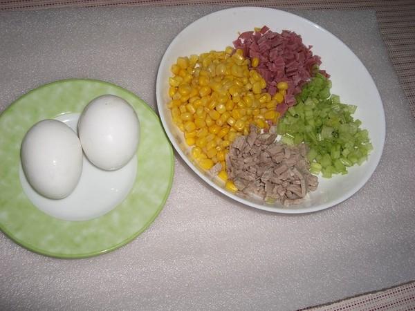 肉絲蛋炒飯的材料(一 )