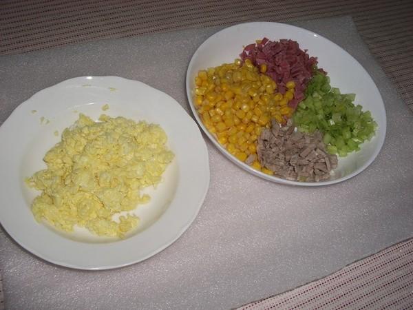 肉絲蛋炒飯的材料(二)