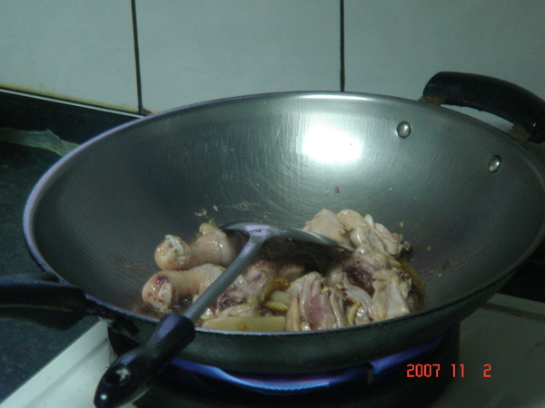 炒至雞肉轉白