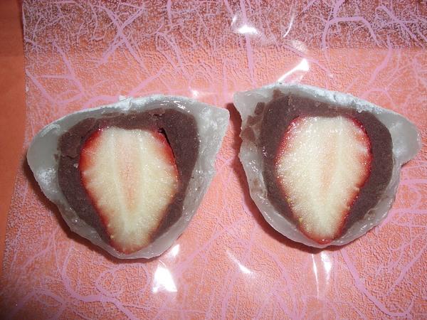 切開的草莓大福