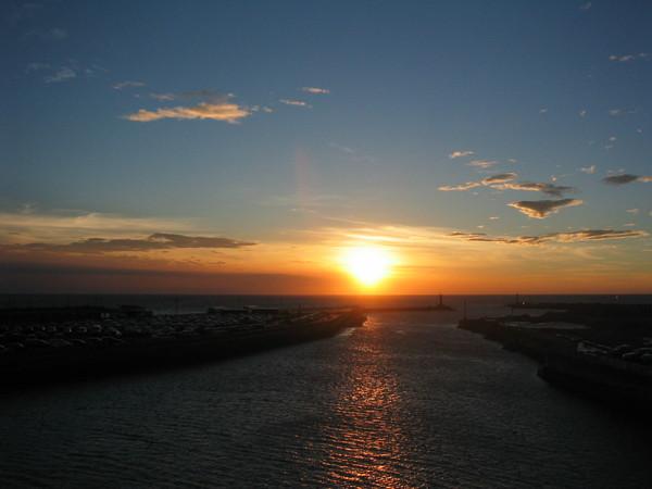 夕陽開始囉
