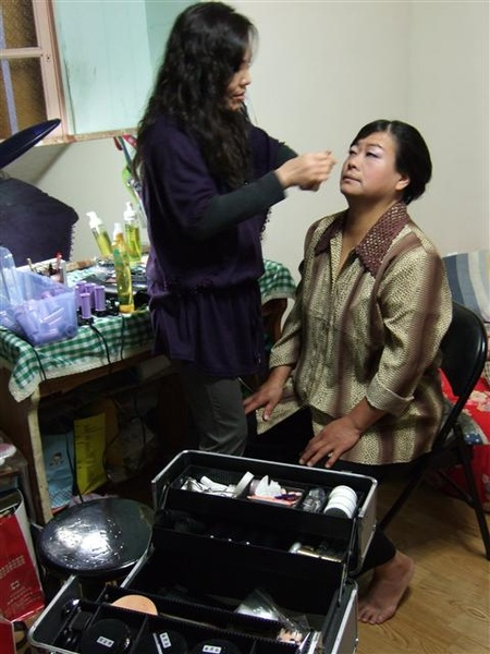 我媽在化妝