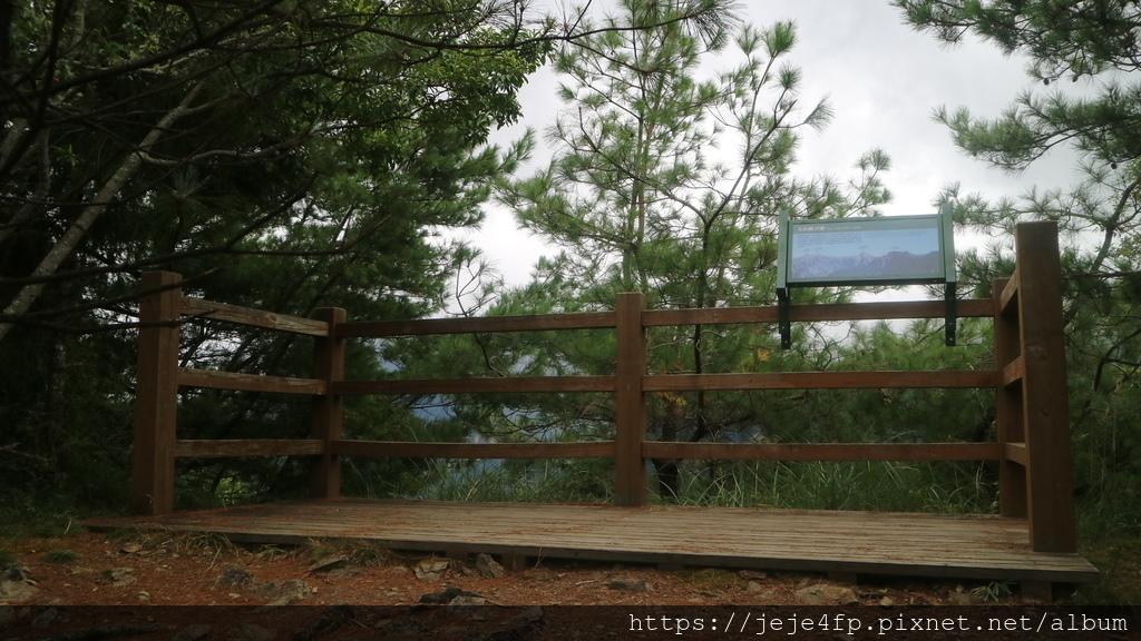 20171009 (120) 東埔山步道 [0.4km處(第2觀景台)].JPG