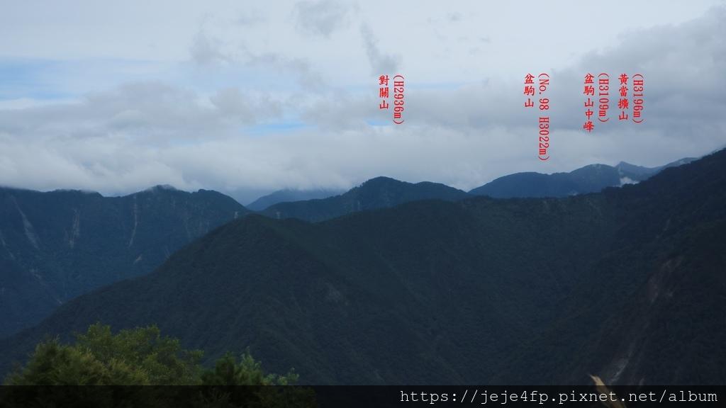 20171009 (178A) 由東埔山眺望玉山稜線後方的群峰.JPG