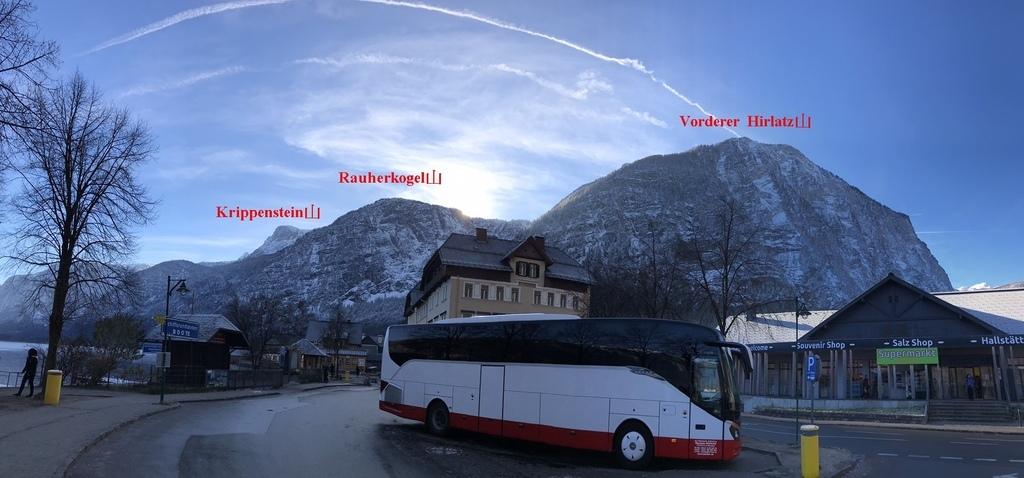 20171115 (33A) 哈爾斯塔特(Hallstatt) [背景由左至右為 Krippenstein山(H2100m)-Rauherkogel山(H1798m)-Vorderer Hirlatz山(H1394m).jpg