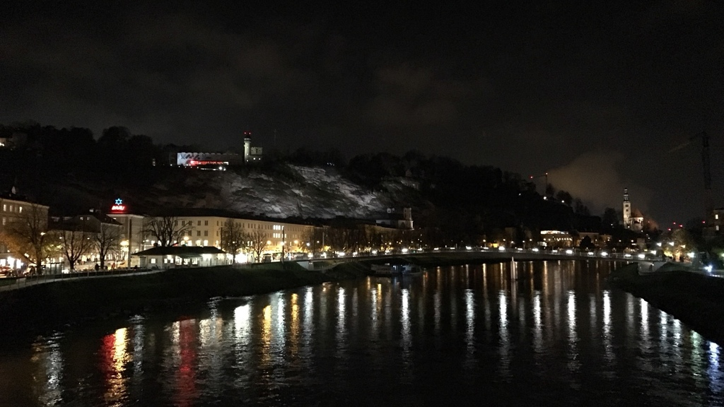 20171114 (165) 眺望積雪的要塞山(Festungsberg--H542m)%26;薩爾茲要塞 [薩爾茲堡 (Salzburg)].jpg