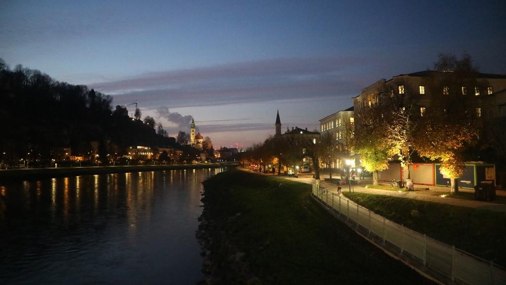 20171114 (159) 流經薩爾茲堡 (Salzburg)的薩爾茲河.JPG