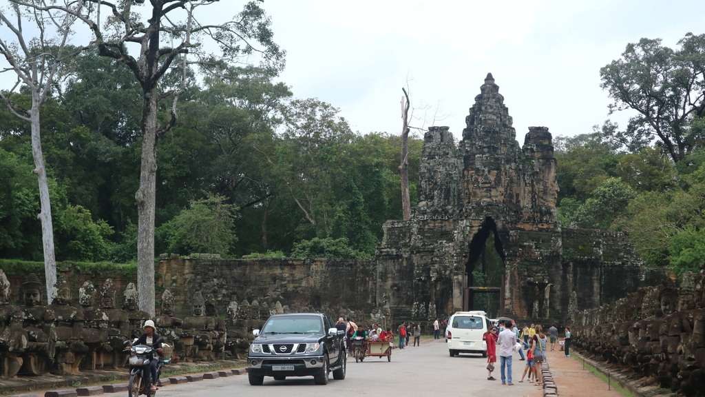 20180913 (232) 吳哥城[大吳哥 (Angkor Thom)]的南門.JPG