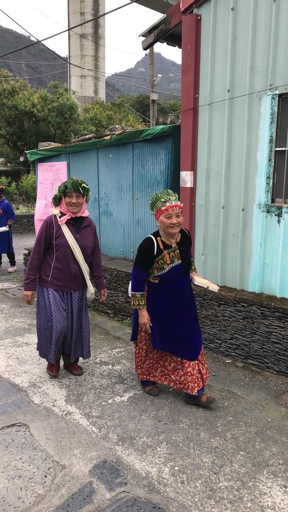 20180216 (76) 伊拉(谷川)部落 [穿著傳統服裝的魯凱族婦女].jpg