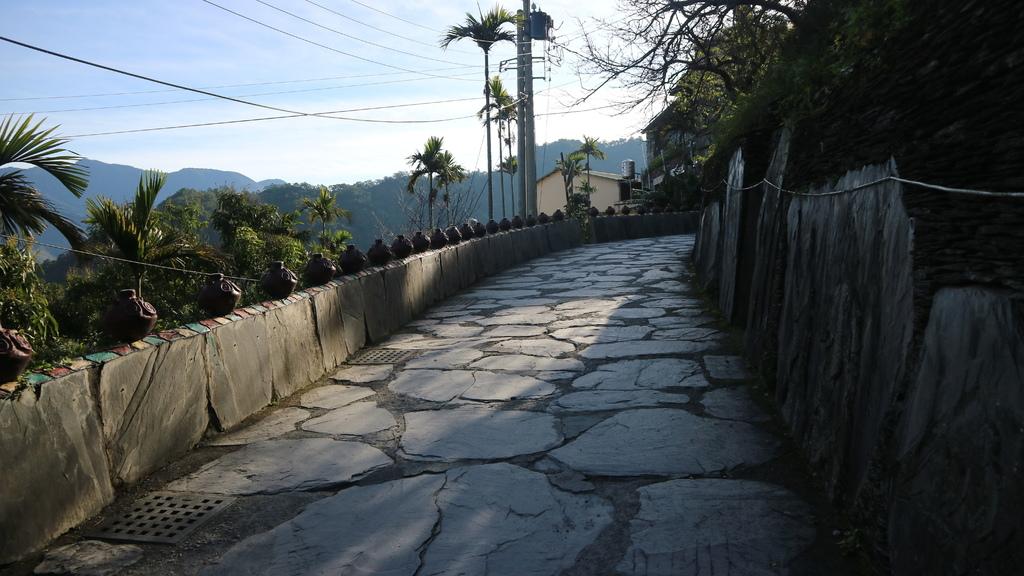 20180217 (67) 由板岩建成的岩板巷.JPG