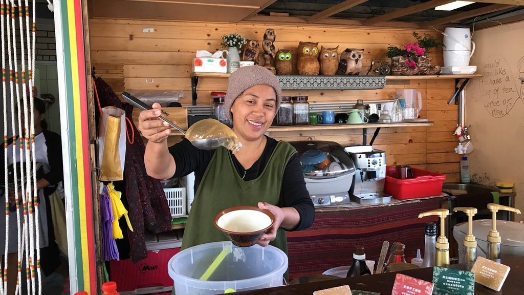 20180217 (141) 岩板巷 [摩凱咖啡店].jpg