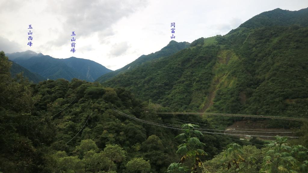 20171007 (94A) 由小蜜蜂的家養蜂場眺望東埔吊橋.JPG