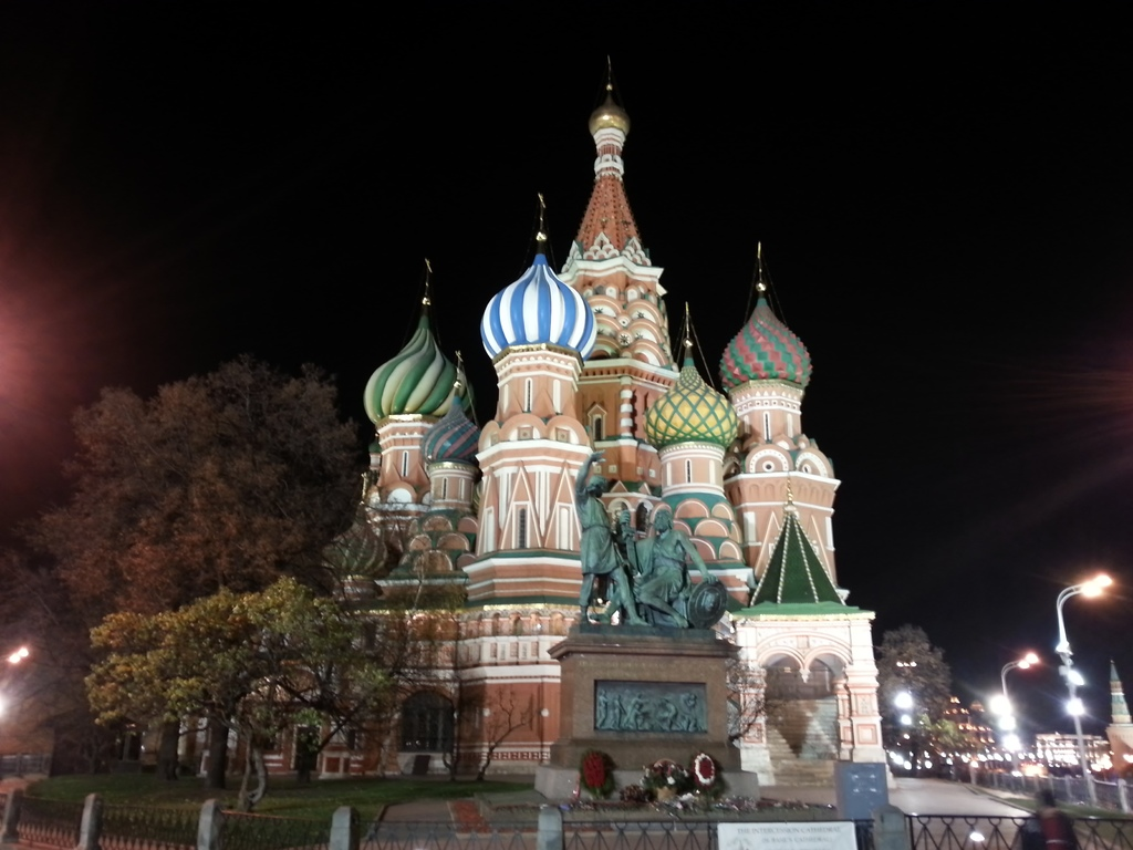 20121110 (225) 莫斯科紅廠附近夜景 - 聖Basel教堂.jpg