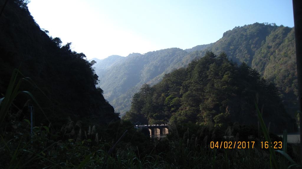 20170402 (171) 由投71縣道19.01km處的萬豐隧道附近眺望武界壩.JPG