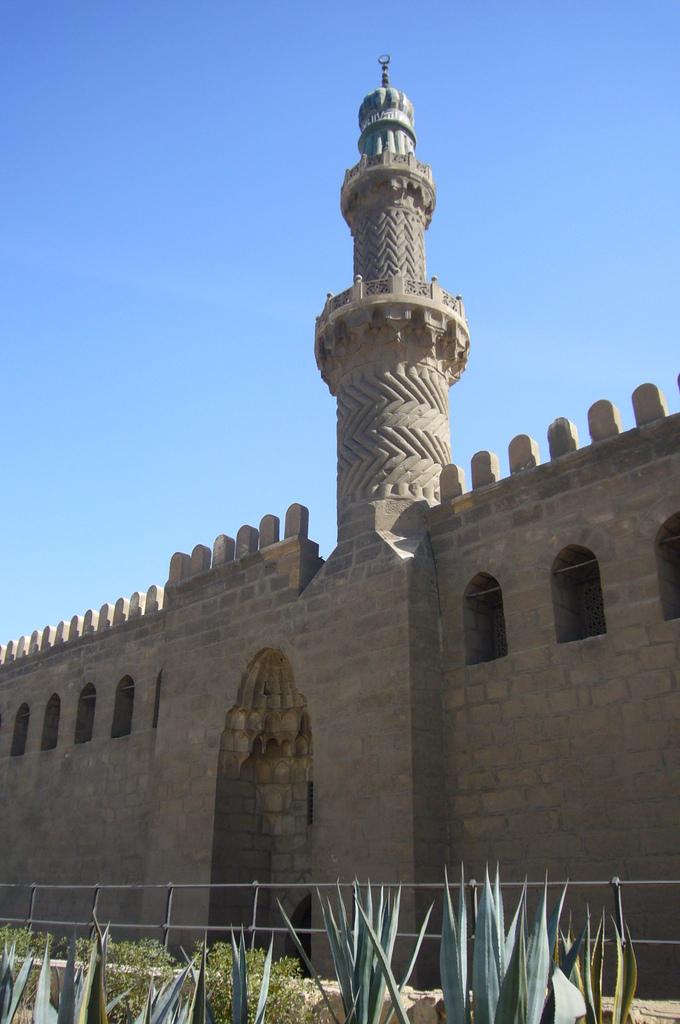 20120211 (43) Citadel城堡區售票口%26;檢查哨在原柱塔旁.JPG