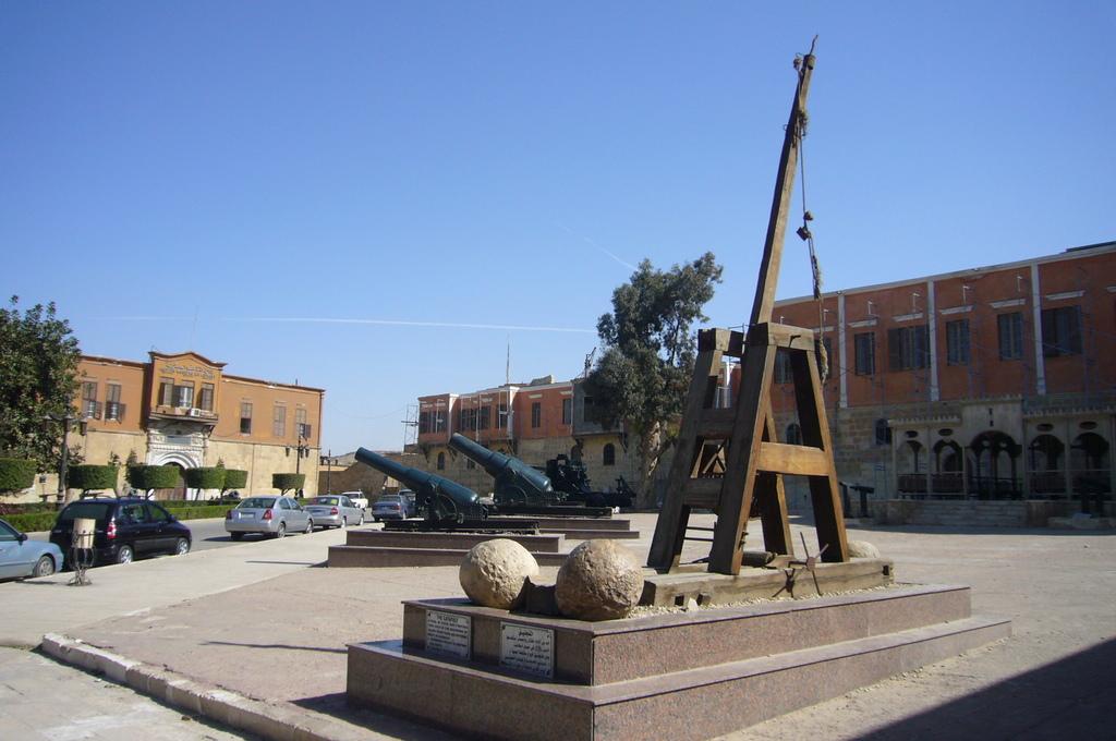 20120211 (102) 開羅Citadel [軍事博物館].JPG